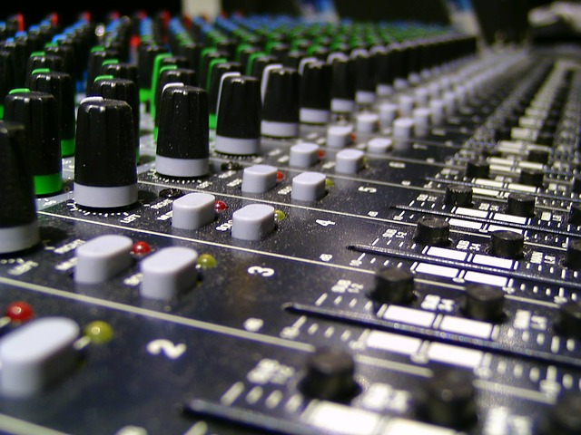 Do You Need a Mixer If You Have a DAW