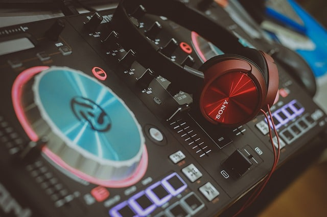 How To Choose The Right MIDI For Your Needs