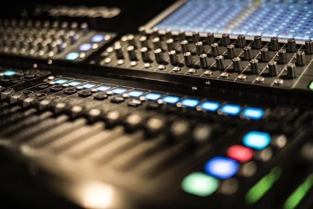 What does each mixer control do